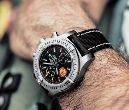 Breitling Avenger has attracted numerous watch lovers.