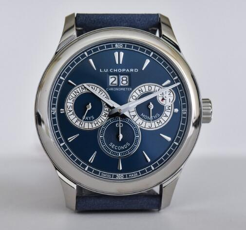 The timepiece is equipped with complicated function.
