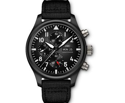 The white Arabic numerals hour markers ensure the good readability of best fake IWC Pilot's.