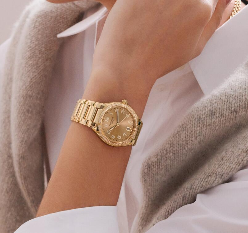 Online replica watches are classic with round cases.