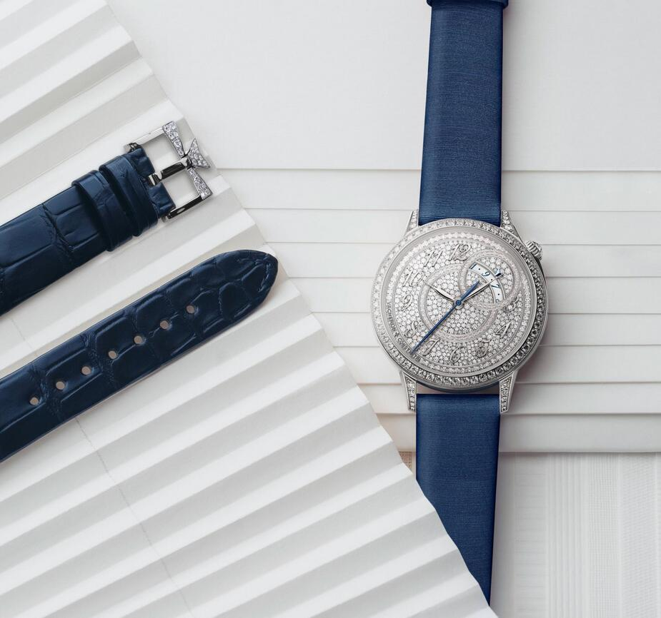 Swiss made replica watches are fashionable with blue color.