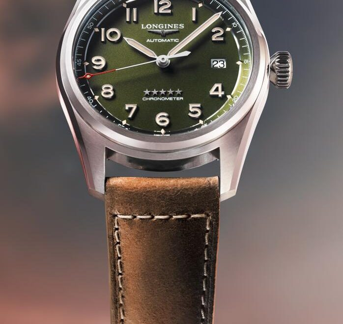 Online replica watches become distinctive with green colored dials.